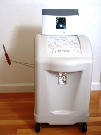 Snickerer robot