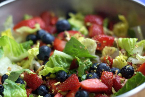 Nut and Berries Salad